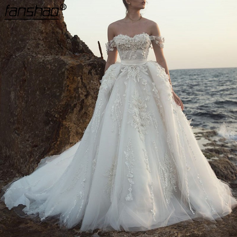 2019 Wedding Dress Off The Shoulder Appliqued Lace Bride Dress Boho Wedding Gown
