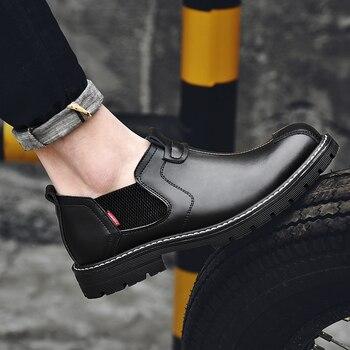 2019 nuevos zapatos de cuero de vaca versión coreana vestido de negocios informal de marea negra británica zapatos de hombre Botas de cuero de herramientas Yasilaiya