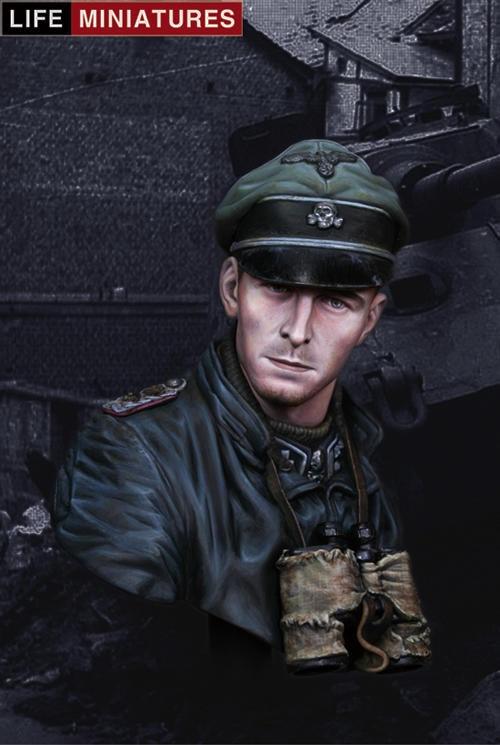 LI B002 1/9 World War II Germany Joachim Pip batman detective comics volume 9 gordon at war