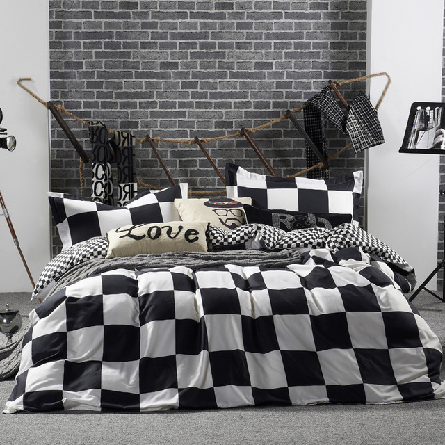 Simplicity Stylish Bedding Set King SizeBlack White Striped Cartoon 3 4pcs Sets