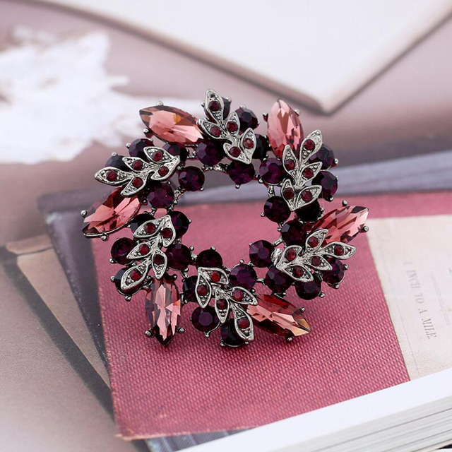 Girls Crystal Bauhinia Flower Brooches Women Banquet Costume Brooch Pin Jewelry Clothes Accessories Jewelry