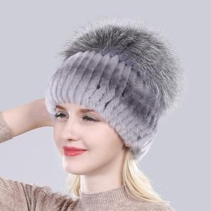 Image 2 - Yeni Varış Kış Kadın Örme Gerçek Rex tavşan kürk şapka Iyi Elastik Doğal Kabarık Gümüş Tilki Kürk Kapaklar Bayanlar Hakiki Kürk Şapkalar
