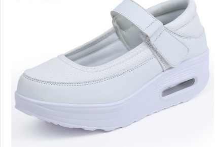 ใหม่รองเท้าผู้หญิงรองเท้าเพิ่มสูงสบายๆผู้หญิงสุภาพสตรีรองเท้ารองเท้าขายหนา soled แพลตฟอร์มรองเท้า