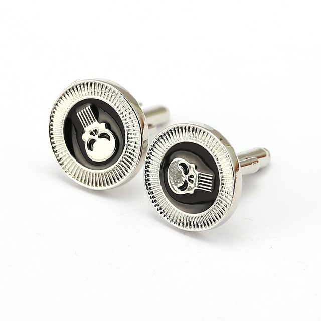 528d8ee7261d High quality movie Spawn Cufflinks Fashion Cuff Buttons Skull Cuff Link men  gift Jewelry Shirt Accessory
