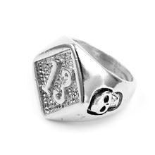 e740580aedf9 Tamaño 7-13 Motor Biker Número de la suerte 13 anillo de aleación de Zinc  hombres chicos plata hombre Cool Biker cráneo anillo a.