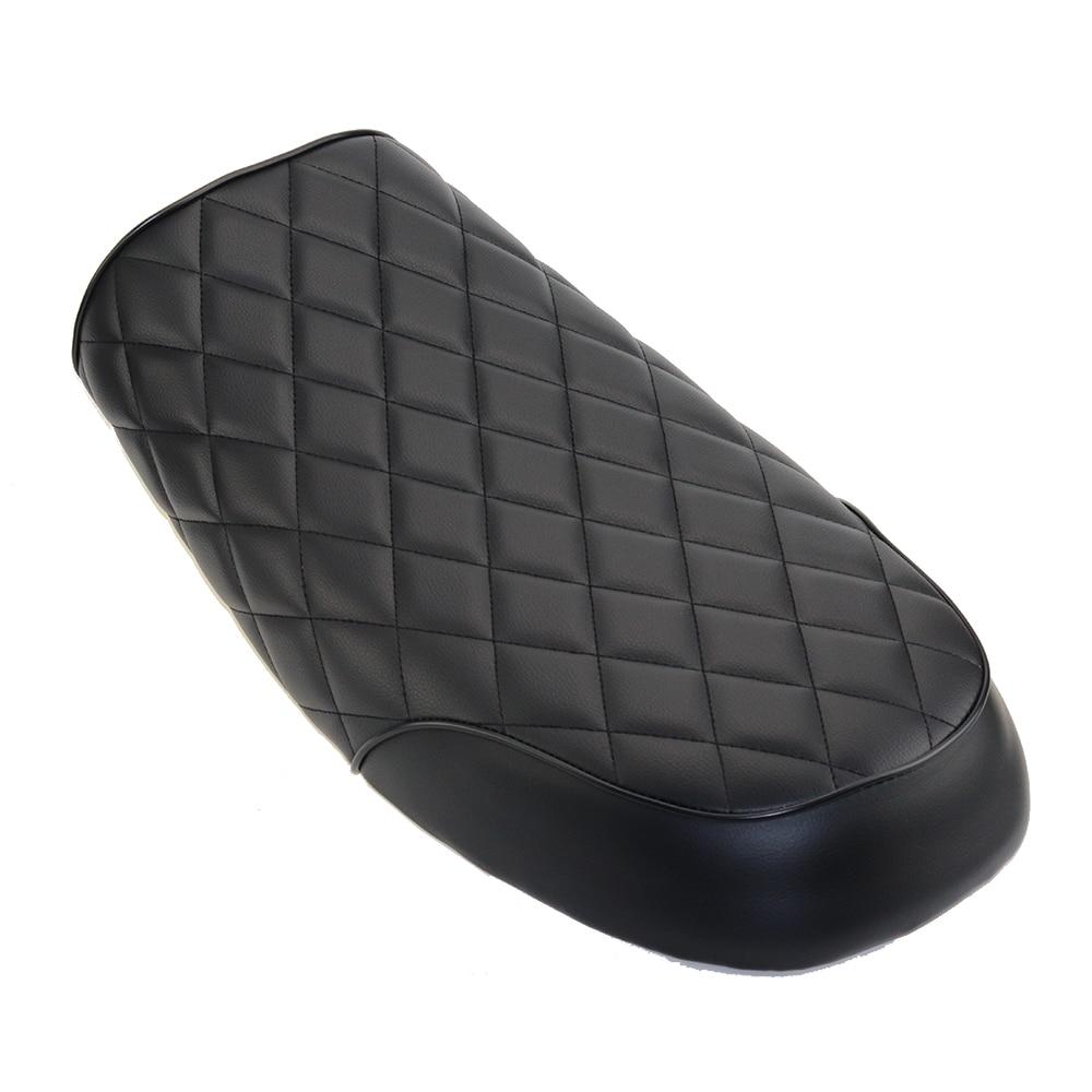 купить Black Leatherette Motorcycle Cafe Racer Seat Flat Brat Diamond Seat Vintage Saddle Rear Passenger Seat For Honda CB 350 500 750 по цене 3472.27 рублей