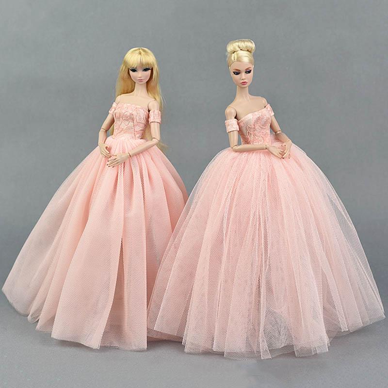 Muñeca de moda del vestido del traje elegante señora vestido de ...