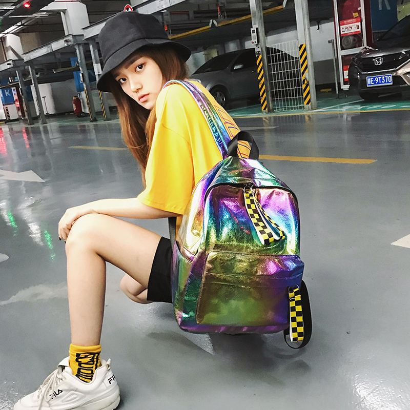 Schoolbag female Korean Harajuku high school student shoulder bag 2018 new street shoot laser backpack new korean female bag canvas backpack personality badge backpack leisure student schoolbag