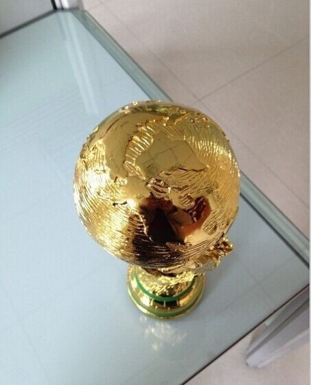 Free Shipping1:1 36cm  World Cup Football trophy Resin Replica Trophies Model Brazil World Cup Best Soccer Fan Souvenir Gift brazil football fans caxirola cheer horn for 2014 world cup