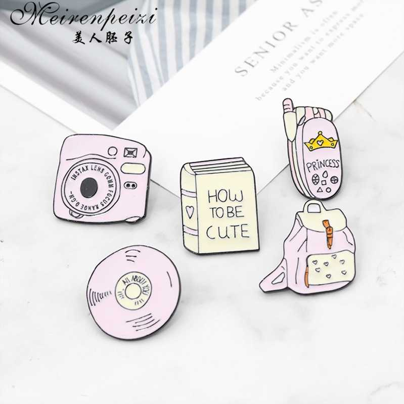 Meirenpeizi Ransel Kamera Ponsel CD Enamel Pin Kustom Lencana Merah Muda Gadis Bros Kerah Pin Kemeja Denim Kerah