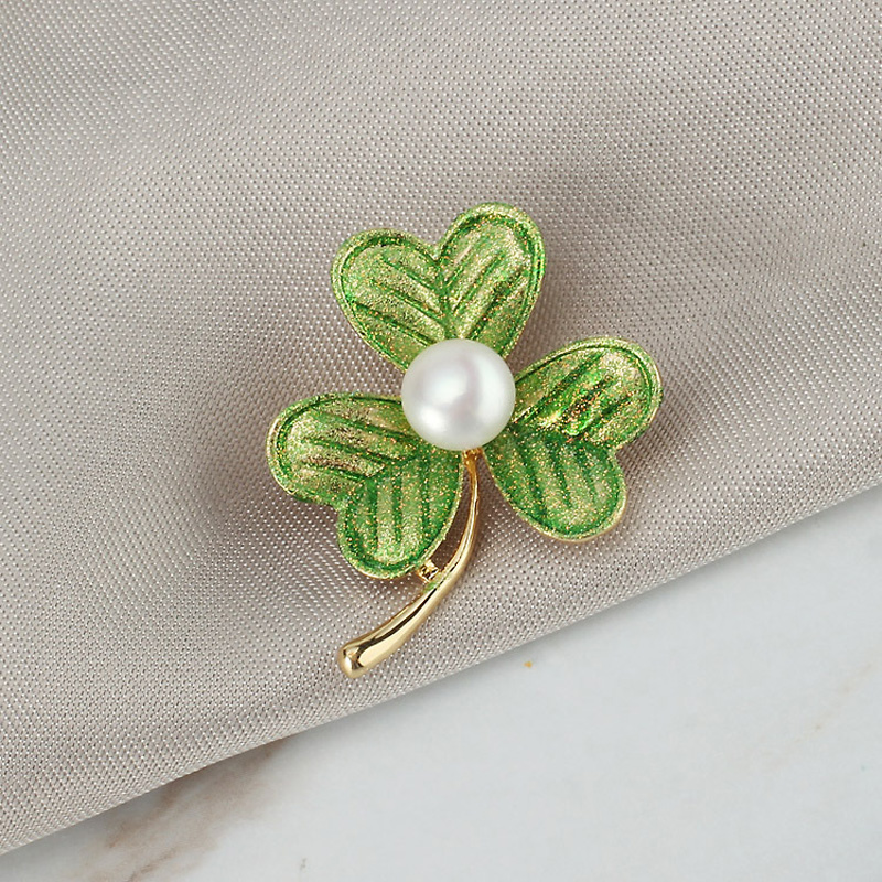 Luxury Crystal Gold Clover Brooches Women Natural Pearl Rhinestone Brooch Pins CLOVER JEWELLERY