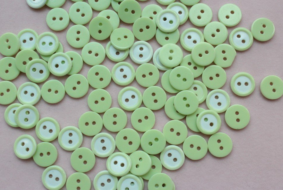 honeyroad 500 pcs- 10mm Candy Green Color Round Tiny Button 2 holes