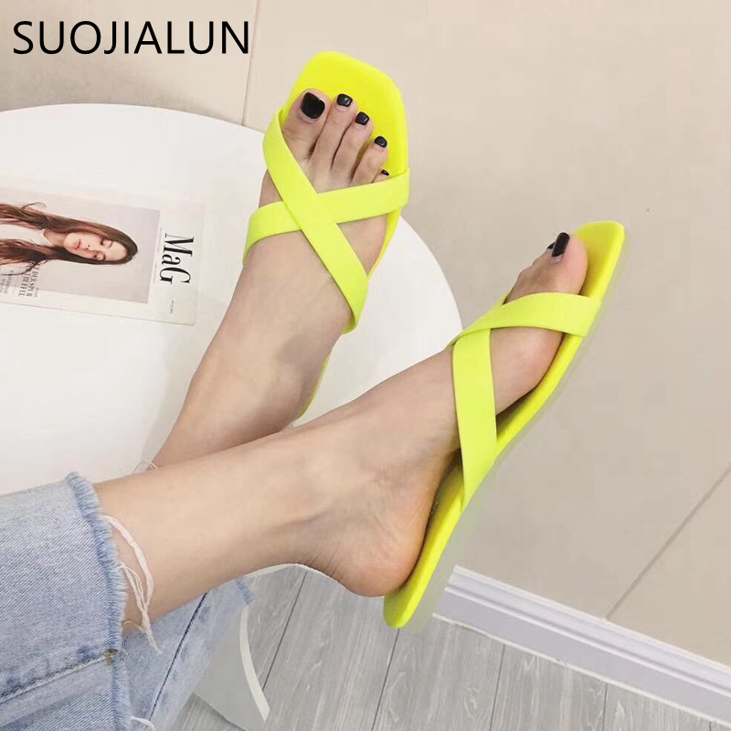 SUOJIALUN 2019 Women Low Heel Slipper Sweet Candy Color Jelly Flat Beach Flip Flops Women Summer Slippers Outside Sandal Slides slipper