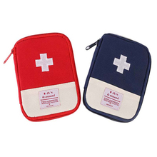 Outdoor First Aid Emergency Medical Survival Kit Bag Wrap Gear Bag Hunting Small Travel Medicine Pack W2