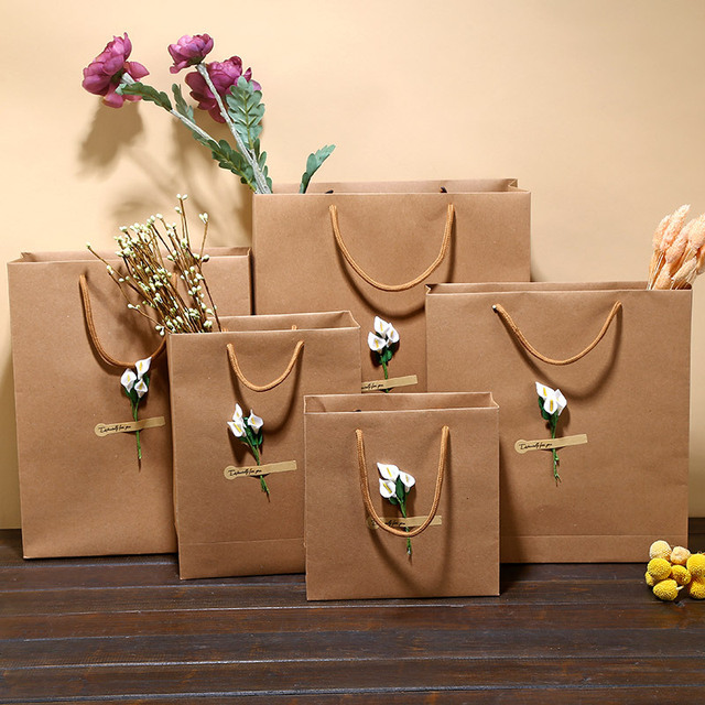 7416fc19e3f9 12Pcs Kraft paper bag Luxury Party Bags with Flower Decoration Kraft Paper  Gift Bag With Handles Recyclable Loot Bag
