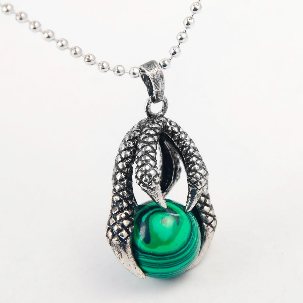 Natural Green Stone Dragon Claw Neclkace