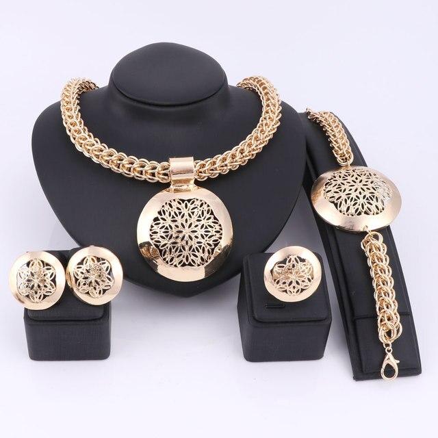 7d27adffb8d6 Últimas lujo grande Dubai oro color Juegos de joyería moda nigeriana boda  Africana Cuentas traje collar