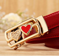 Европейский Американский стиль известная марка женщины пояса Коускин кожаный пояс Пряжка Сплава ЛЮБОВЬ шаблон Пояса для женщин красный белый черный