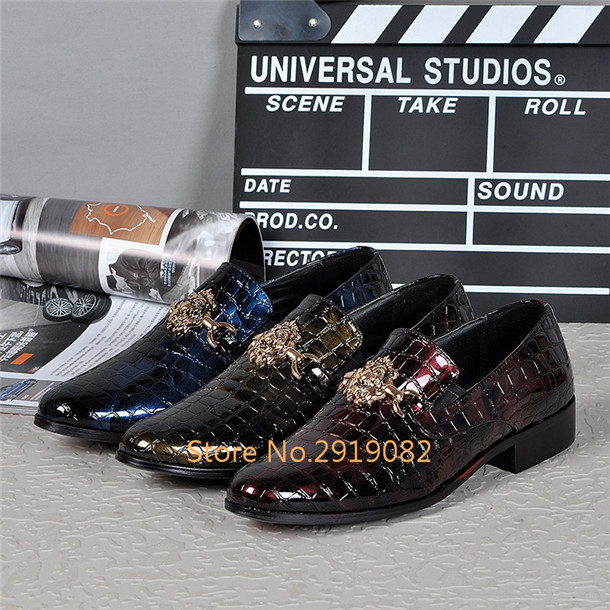 Crocodile Fur Pattern Metal Decoration Pointed Toe Men Shoes Spring Autumn Slip-On Casual Shoes Stage Party Bars Nightclub Shoes