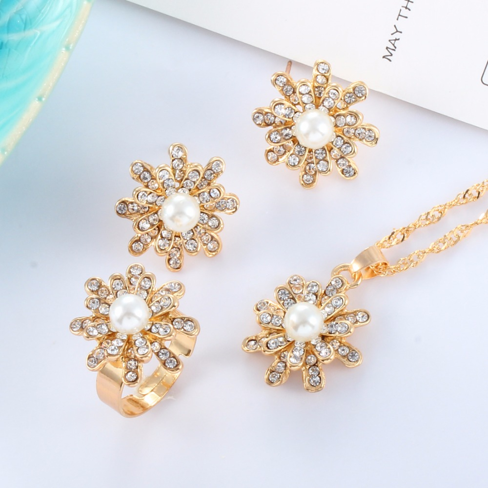 Nachdenklich Österreichischen Kristall Shinning Simulierte Perle Halskette Ohrringe Ringe Set Für Frauen Gold/silber Blumen-anhänger Schmuck Set Einfach Zu Reparieren Brautschmuck Sets
