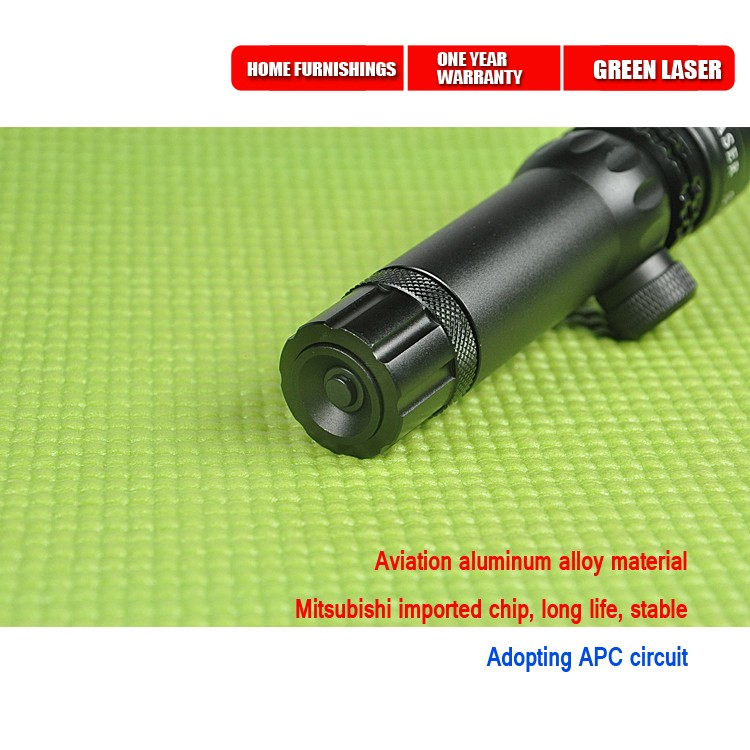 caça com alta brilhante laser verde com