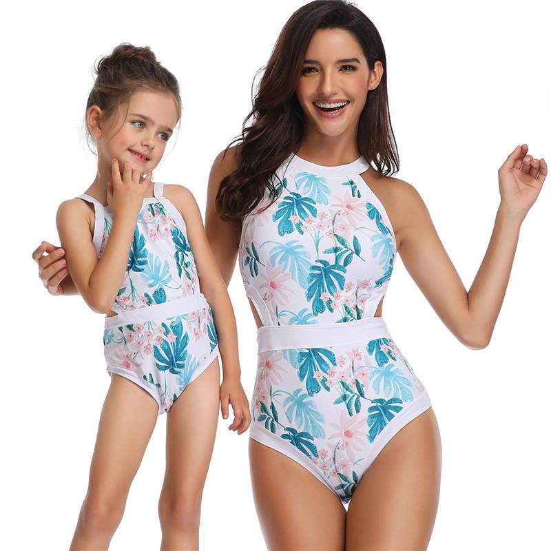 421338ced New Mother And Daughter Swimsuit Mommy And Me Swimwear Bikini Family  Matching Clothes Outfits Look Mom Baby Dresses Clothing