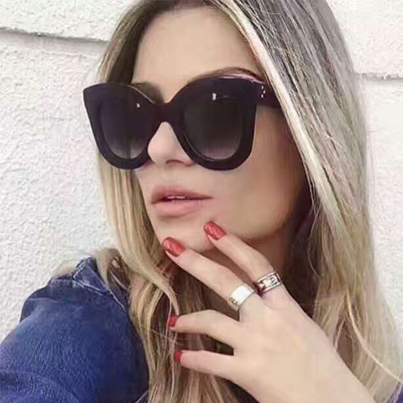2017 venda Quente Da Moda Rebite Feminino Shades Estilo Big Quadro Óculos  De Sol Das Mulheres Marca de Luxo Designer de óculos de Sol Do Vintage em  Óculos ... be737981f9