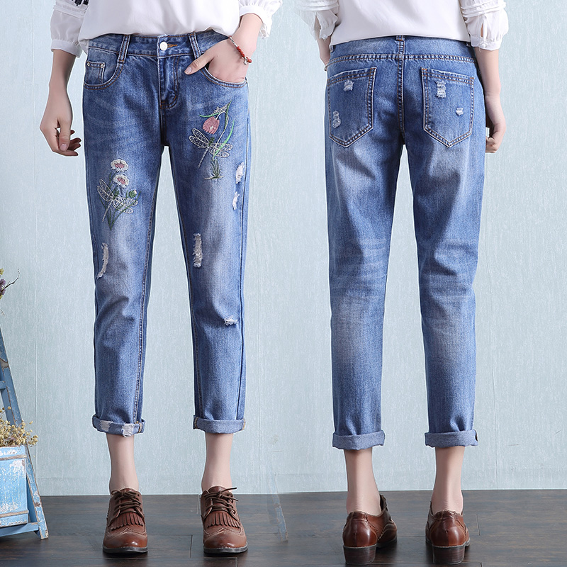 Fashion Flowers Embroidery Jeans Woman Blue Casual Pants Capris 2017 Spring Summer Denim Jeans Female Bottom Trousers Clothing flower embroidery jeans female blue casual pants capris 2017 spring summer pockets straight jeans women bottom a46