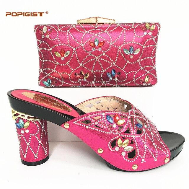 f86bc22590 US $93.0 |Rotonda pompe fucsia confortevole Scarpa con il sacchetto di  cerimonia nuziale Africano bel design scarpe Italiane borsa di  corrispondenza ...