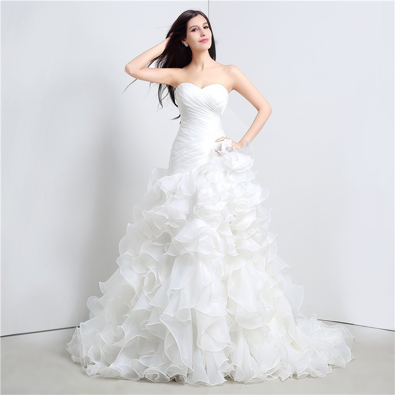 Sweetheart Cascading Ruffles Mermaid Wedding Dress 3