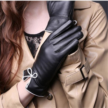 2018 New Genuine Leather Gloves Ladies Winter Sheepskin Casual Korean Cute White Bowknot Thin D-26-5
