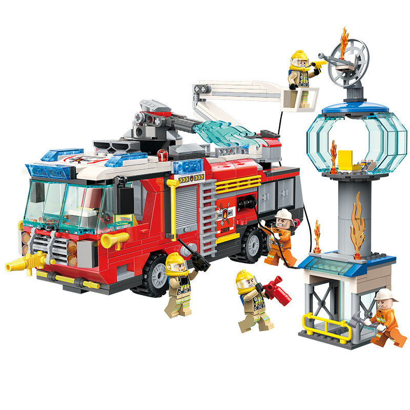 647pcs Children s educational building blocks toy Compatible City rescue series Rescue operation fire truck Bricks