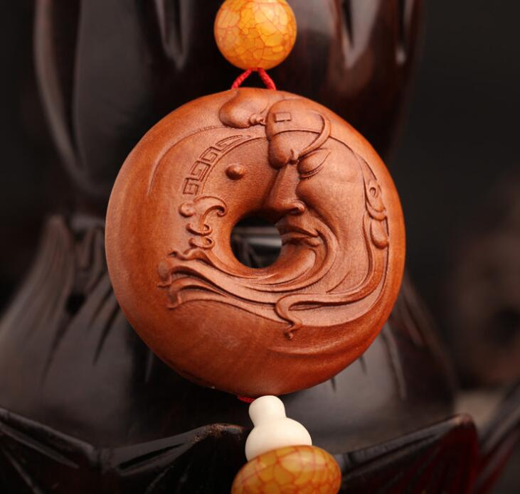 Chinese Peach Wood Carved Guan Gong Guan Yu Head Statue Safe And Good Luck Buckle Exquisite Car Pendant Statue Gift