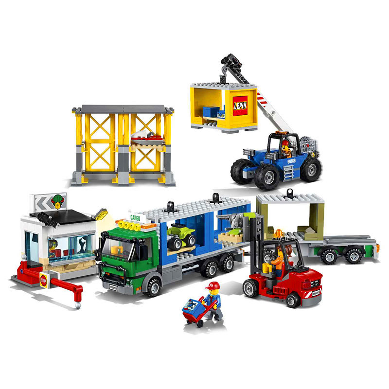 829Pcs City Town Cargo Terminal Trailer Truck Model Building Block Toys LEPIN 02082 Gift For Children Compatible Legoe 60169 обогреватель promo pr fh202