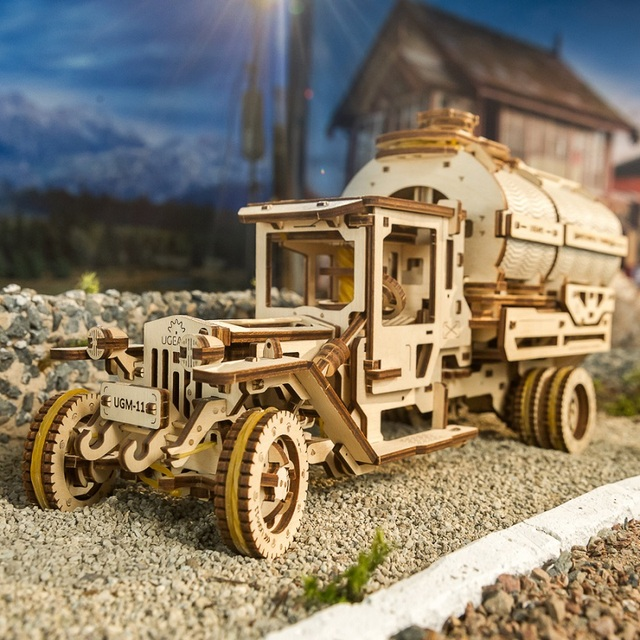 Ukraine UGEARS Wooden Mechanical Transmission Model Adult Assembled Toy Birthday Male Kids Gift Toy