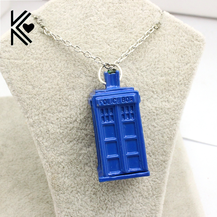 United Kingdom Teleplay Doctor Who Blue Telephone Booth TARDIS Pendant Necklace High Quality Rhinestone Statement Necklace Gifts