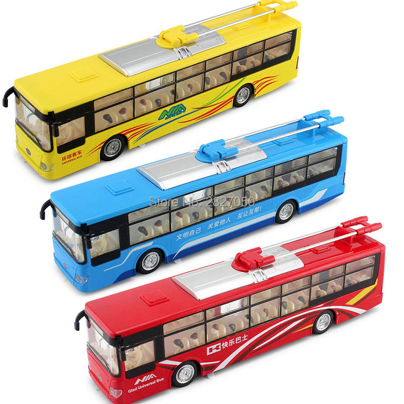 цена на Sound Light Broadcast City Bus Model toy cars 1:32 Alloy Pull Back Openable Door Metal car new year gift toys for girls and boys