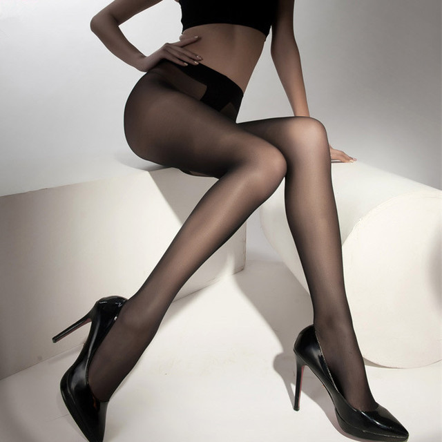 Seamless silk pantyhose