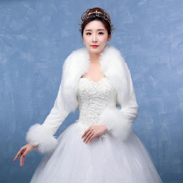 Hot Selling Long Sleeves Warm Faux Fur Wedding Shawls Women Jacket For Sale Cheap Bridal Shawls Cloak faux fur stole