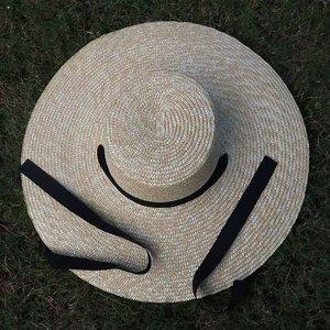 Image 3 - Venta al por mayor sombrero de paja de ala ancha mujeres gorro de playa de verano con lazo negro señoras nueva moda platillo sombrero de sol sombreros Kentucky Derby