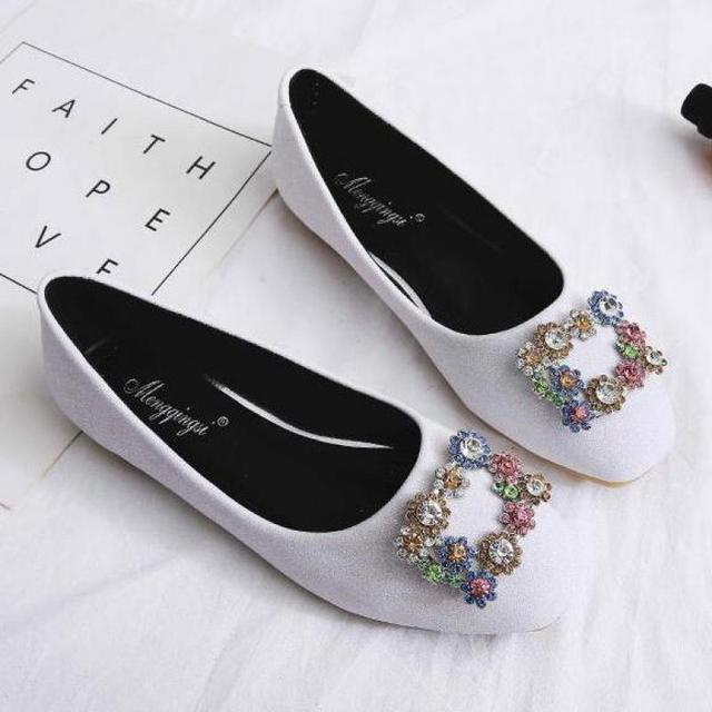 Rhinestone Sequins Large Size Women Flat Shoes Ladies Beaded Flash Wedding  Shoes Party Flats Slip-on Loafers Lazy Boat Shoes d78a6d94c2de