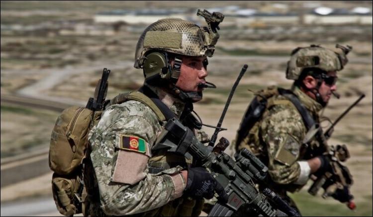 военная тактика; разъем SMA; радио УКВ;