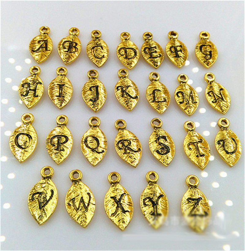 2018 High Quality 26 Pieces/Set (A to Z) 7*15MM Gold silver Color Letter leaf alphabe Charms For Necklaces And Bracelets