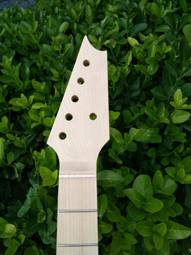 Une guitare cou érable cou et érable doigt conseil 25.5 22 frette écrou largeur 42mm talon largeur 56mm vernis Transparent