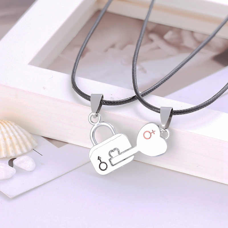 2 PCS/lot  Couple Necklace  lock and key Pendant Love Heart Puzzle Matching Two Halves Heart for Lovers Memorial Day Gift