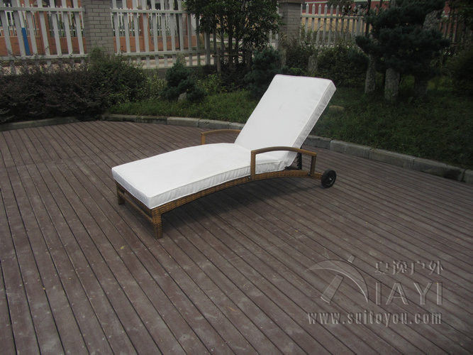 Patio PE Rattan Lounge Chair , Modern Comfortable Chaise Lounge transport by sea madrid lounge chair
