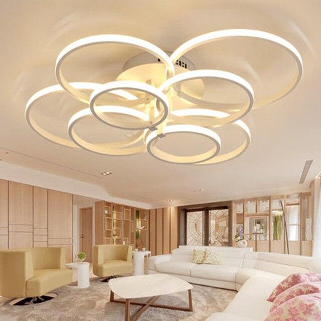 Wohnzimmer leuchtet moderne einfache atmosphäre zu hause ...