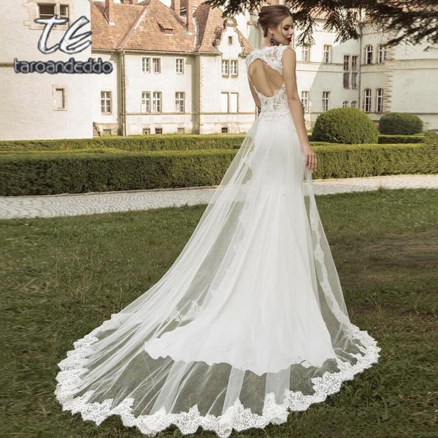 V Boyun Dantel Aplike düğün elbisesi Kolsuz Mermaid Saten Etek Backless Sweep Tren gelin kıyafeti Ayrılabilir Tren ile