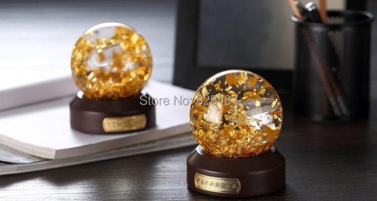 Flocons d'or boule de neige de luxe Souvenir Globe de verre d'eau 24K feuille d'or meilleur cadeau pour les affaires riche boule de neige Feng Shui - 2
