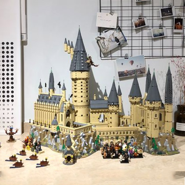 16060 Harri Potter Series Hogwarts Castle Magic World Dumbledore Building Blocks 6742pcs Brick Toys Compatible Legoing Movie